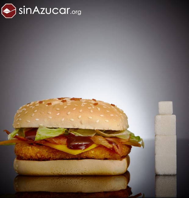 O hambúrger CBO do Mc Donald's cotém 13 gramas de açúcar (Foto: Sin Azucar/ Reprodução)