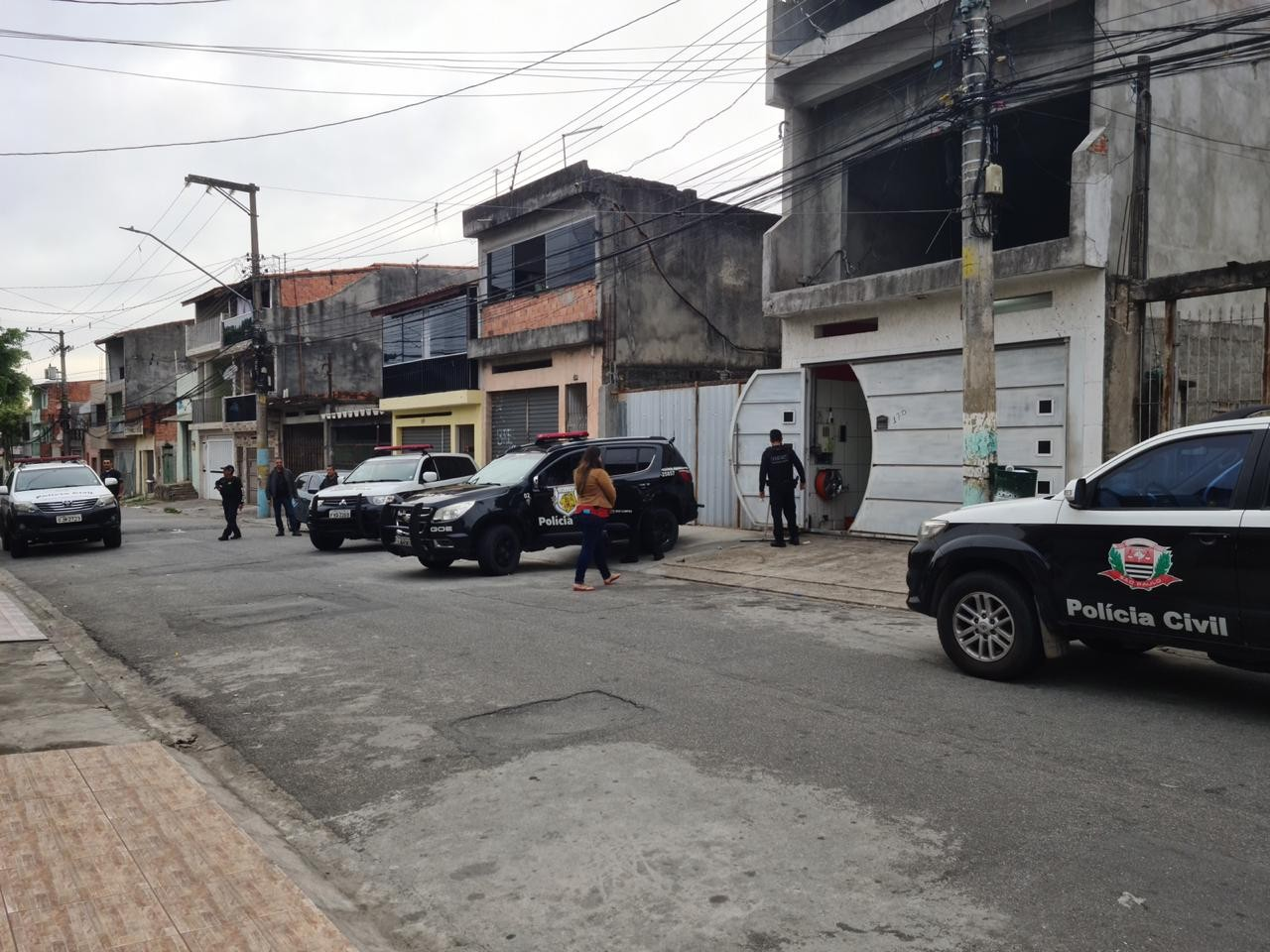 MP denuncia suspeitos de integrar quadrilha de furto de carros em supermercados de São José