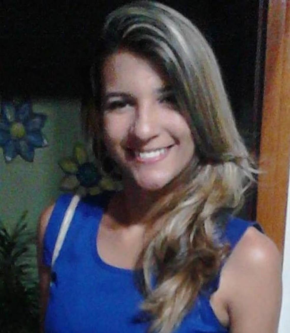 Polícia procura homem que torturou e matou garota em Fortaleza (Foto: Facebook/Reprodução)