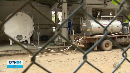 Mudança de dono em laticínio deixa produtores de leite sem receber em Poço Fundo, MG