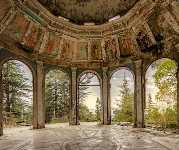 Fotógrafo descobre beleza em região abandonada (Foto: James Kerwin)