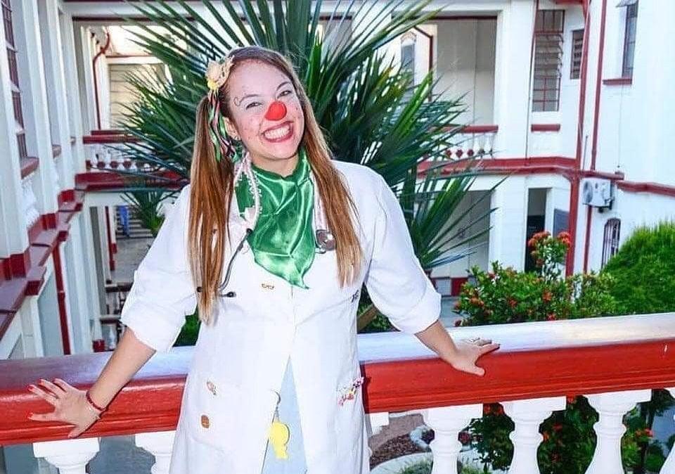 Voluntária de ONG sem comorbidades morre de Covid-19 aos 35 anos no litoral de SP: 'Era luz'