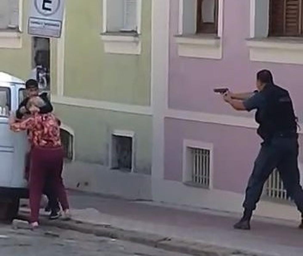 Assaltante é morto após fazer idosa refém em Valença — Foto: Reprodução/Arquivo Pessoal