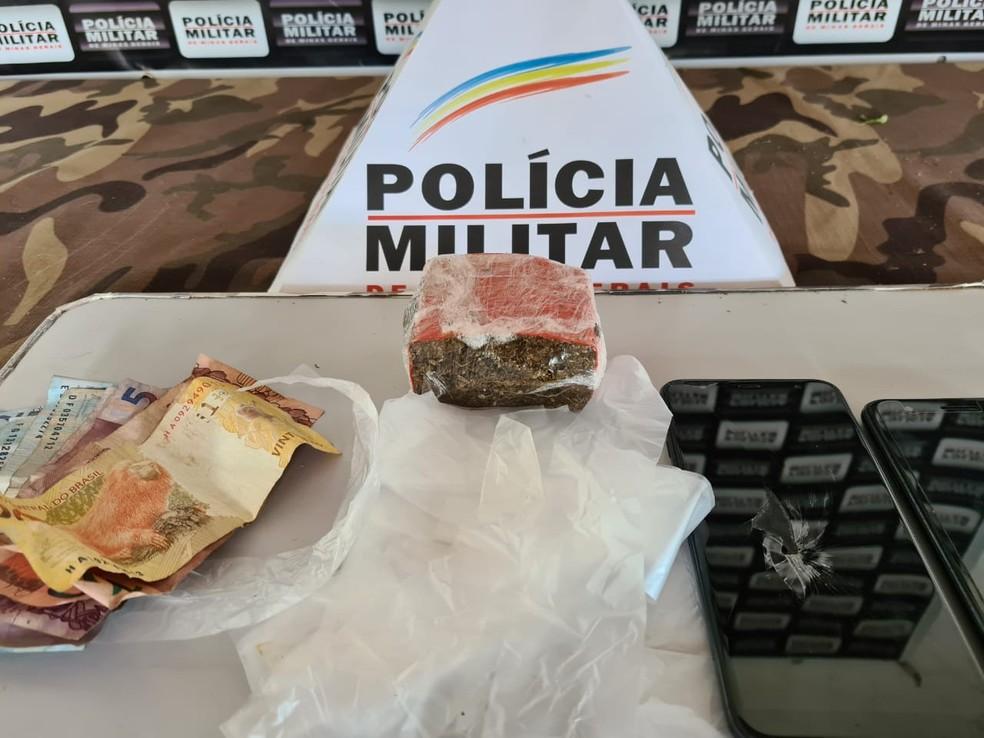 Maconha foi apreendida no Bairro Ladeira — Foto: Polícia Militar/Divulgação