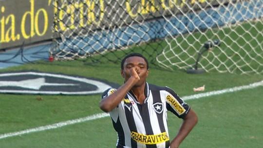 Sonho de moleque e o complexo caminho de Vitinho: da favela para o Botafogo até o Flamengo