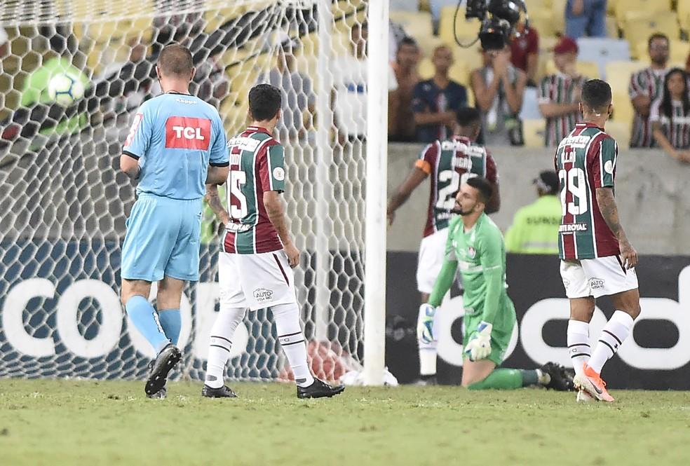 Fluminense após sofrer gol de empate para o Atlético-MG — Foto: André Durão