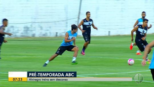Volante do ABC garante que ausência de técnico não atrapalha pré-temporada