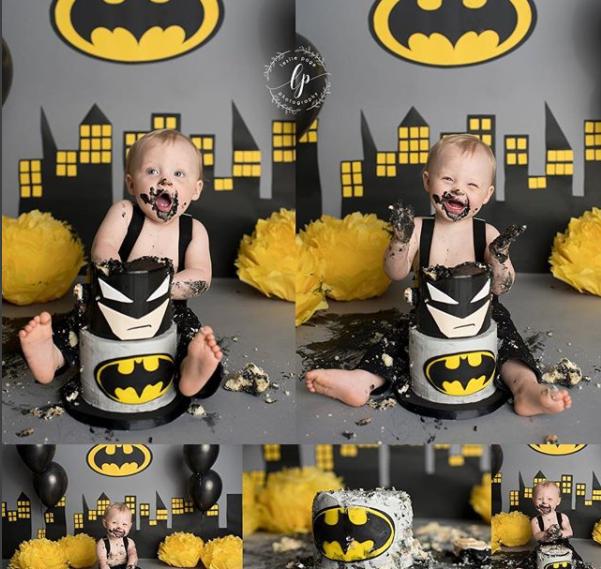 Kase McCony Batman, muito prazer! (Foto: Reprodução Instagram/Leslie Page Photography)