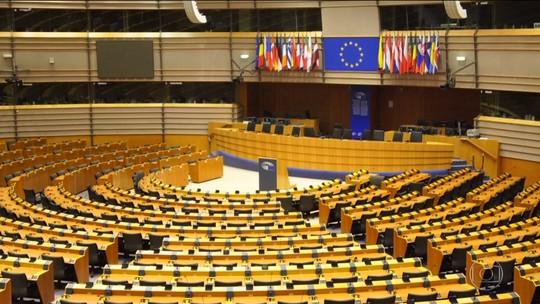 Continua a votação para o Parlamento Europeu, que inclui os britânicos