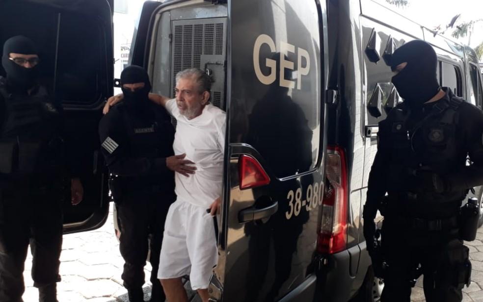João de Deus durante a primeira vez em que foi fazer exames em hospital de Aparecida de Goiânia — Foto: Renata Costa/TV Anhanguera