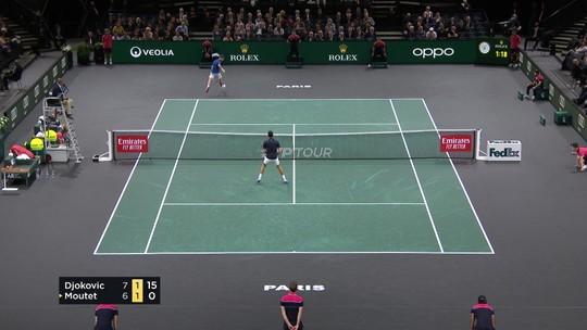 Moutet bate entre as penas e encobre Djokovic em lance espetacular no Masters 1000 de Paris