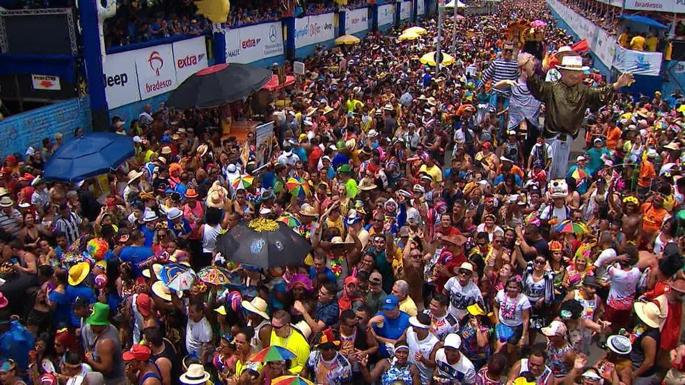 No último desfile do Galo, em 2020, mais de dois milhões de foliões participaram — Foto: Reprodução/TV Globo