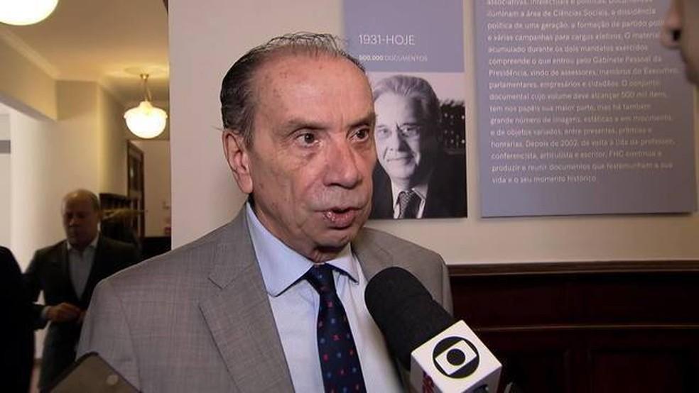 O documento mostra um histórico de ligações entre Aloysio Nunes e o gabinete de Gilmar Mendes no STF. — Foto: TV Globo/Reprodução