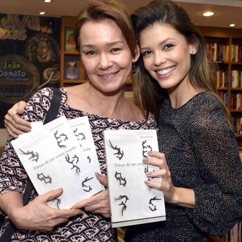 Júlia Lemmertz e Vitória Strada (Foto: Cristina Granato)