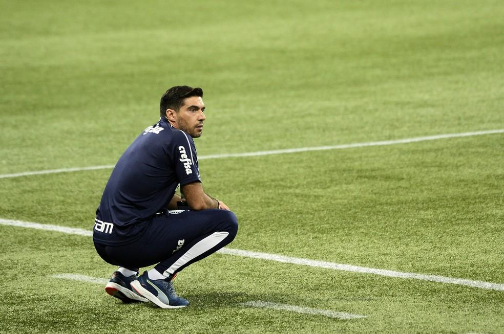 Abel Ferreira: pouco tempo para recolocar o time em nível competitivo, agora no Brasileiro — Foto: Marcos Ribolli