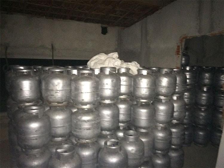 Dupla é presa após roubar 582 botijões de gás no PI e esconder carga no PE e BA