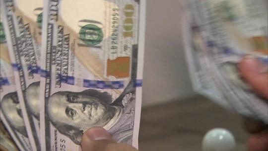 Dólar fecha em alta e atinge novo recorde histórico