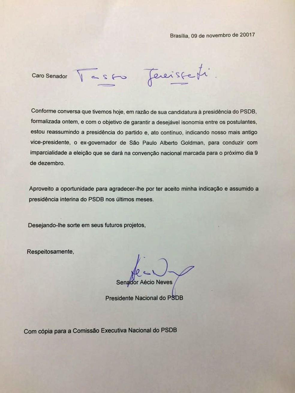 Carta enviada por Aécio Neves destituindo Tasso Jereissati da presidência do PSDB (Foto: Reprodução)