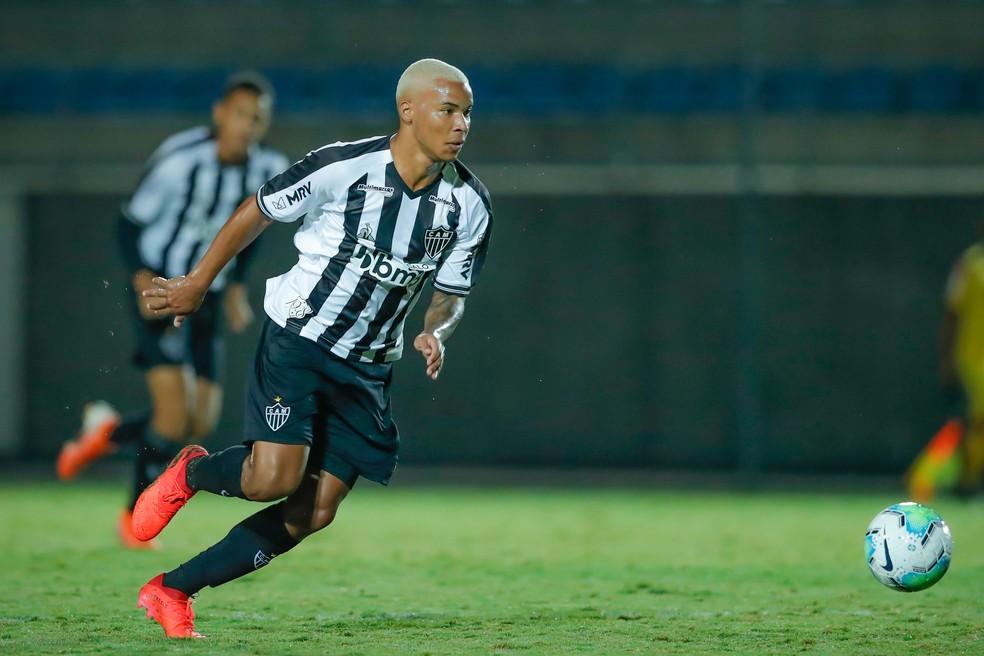 Guilherme Santos Deixa O Coimbra E Volta A Treinar No Sub 20 Do Atletico Mg Sem Futuro Definido Atletico Mg Ge