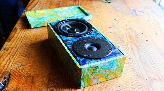 Caixa de som da Gomi aberta  (Foto: Divulgação)