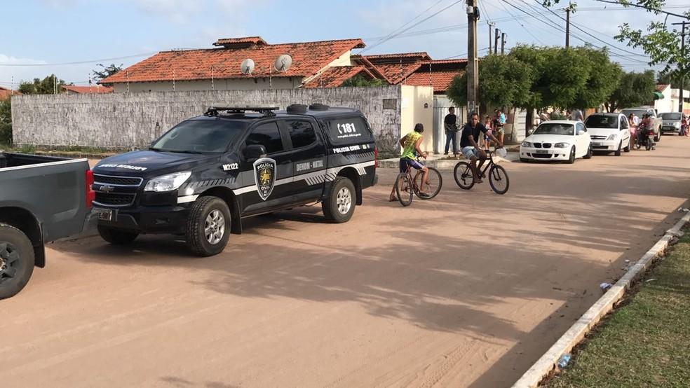 Crime aconteceu na casa do comerciante em São Gonçalo do Amarante, na Grande Natal (Foto: Kleber Teixeira/ Inter TV Cabugi )