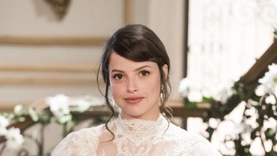 Ema se casa com vestido de noiva de renda francesa chantilly