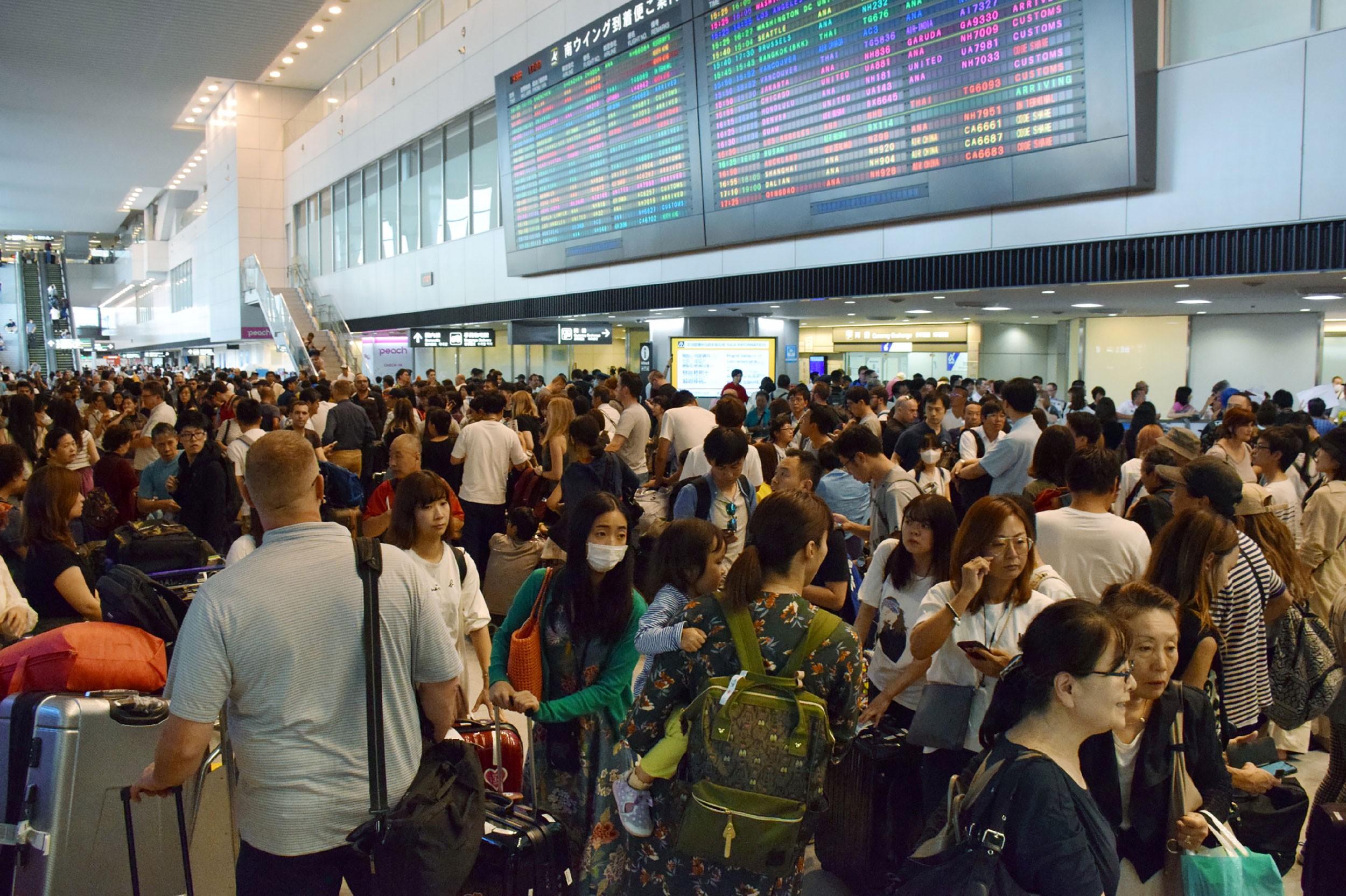 Passaportes do Japão e Singapura passam a ser os mais poderosos do mundo; brasileiro sobe para 17º