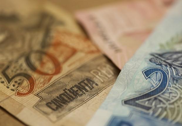 dinheiro - nota - real - mercado - economia - juros - contas públicas - bc - focus - deficit - notas - (Foto: Thinkstock)