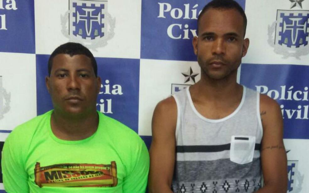 Suspeitos foram presos com drogas no bairro de Mata Escura (Foto: Divulgação/Polícia Civil)