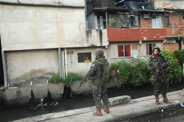 Muitos milionários que se mudam do Rio e de São Paulo têm medo da violência (Foto: Comando Militar do Leste via BBC)