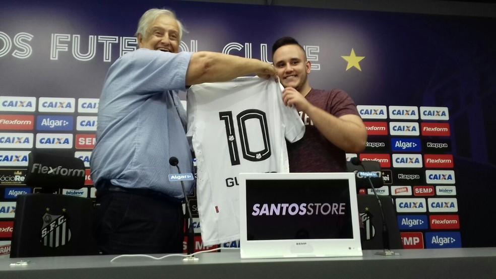 GuiFera foi apresentado pelo então presidente Modesto Roma Jr. — Foto: Lucas Musetti