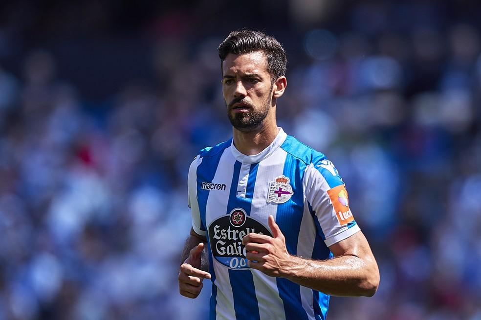 Pablo Marí em ação pelo La Coruña na última temporada europeia — Foto: Getty Images