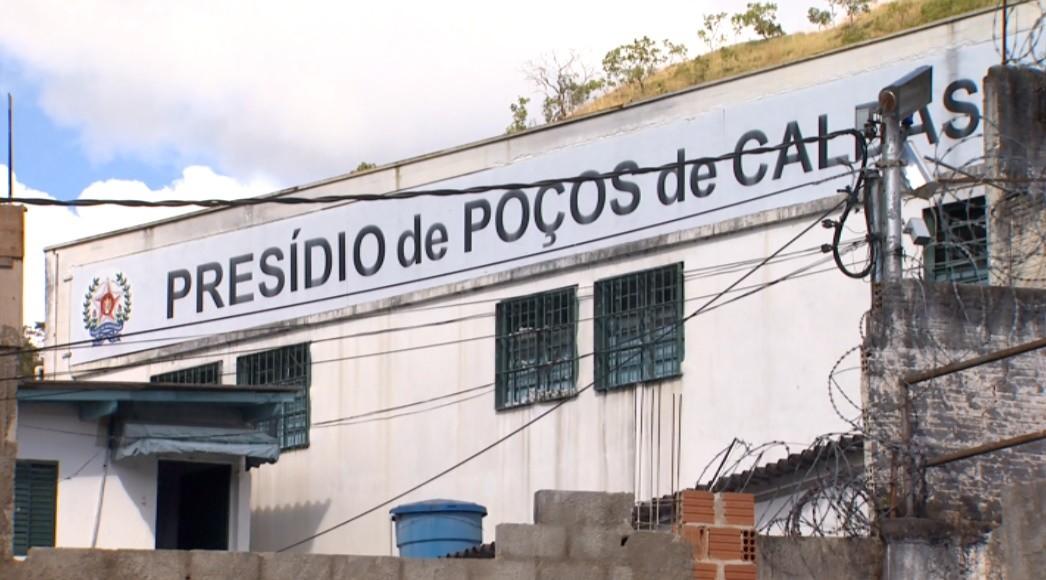 Após 60 casos, últimos detentos infectados recebem alta da Covid-19 em Poços de Caldas, MG