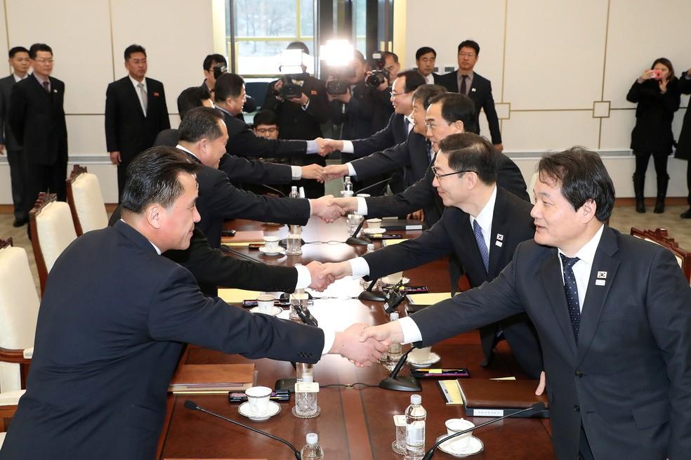 -  Reunião entre sul e norte-coreanos para acordar participação na Olimpíada de Inverno, vista como oportunidade de diálogo bilateral  Foto: Yonhap via