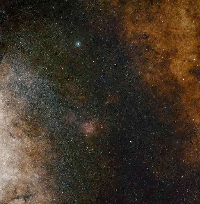 Estrelas ao redor de Sagitário A*, no centro da Via Láctea (Foto: ESO and Digitized Sky Survey 2. Acknowledgment: Davide De Martin and S. Guisar)