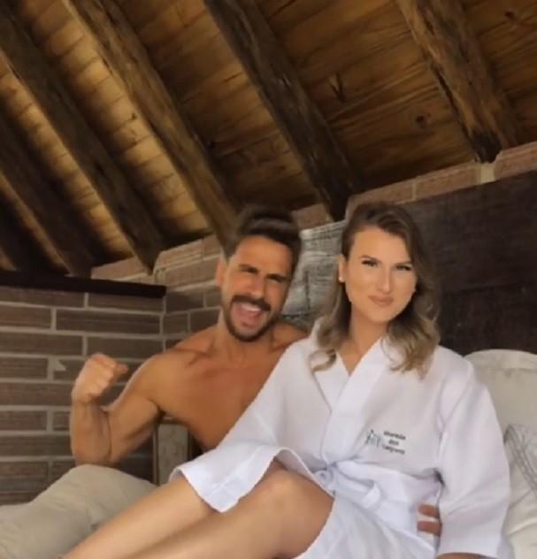 Julio Rocha e a namorada (Foto: Instagram/Reprodução)