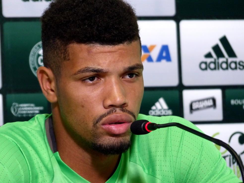 Juninho deve chegar a São Paulo neste sábado (Foto: Monique Silva)