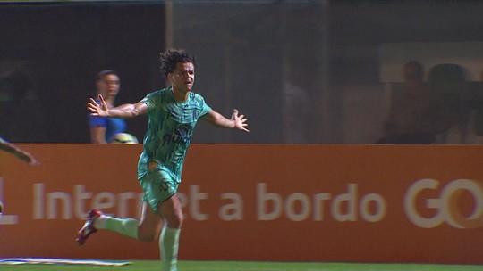 """Thiago Neves fala sobre Rogério Ceni, revela choro em vestiário do Cruzeiro e desabafa: """"Momento mais difícil da vida"""""""
