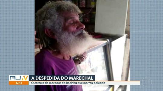 Moradores da Rocinha, no Rio, se despedem de Marechal, morto durante tiroteio