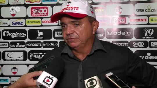 """Em goleada, Flávio exalta empenho e """"parceria"""" com Edu: """"Ganhou ofensivamente"""""""