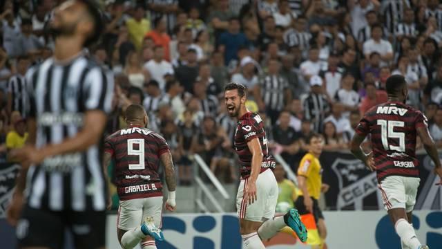 Pablo Marí comemora gol do Flamengo