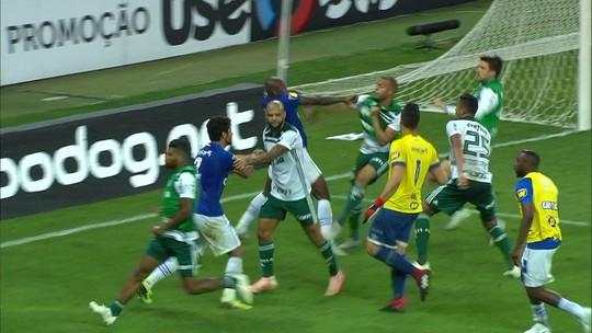 Palmeiras x Cruzeiro: histórico recente tem reclamação de Felipe Melo, soco de Sassá e mais brigas