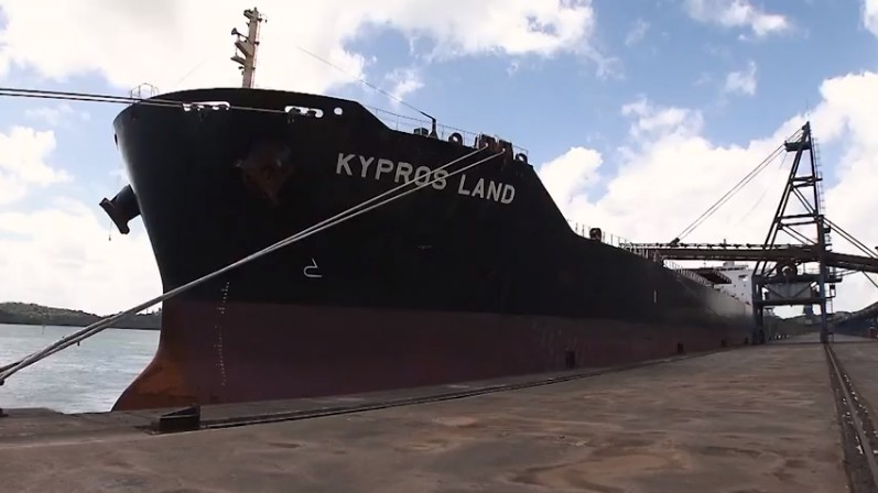 Com safra recorde de soja, Bahia tem fila de navios cargueiros no Porto de Cotegipe