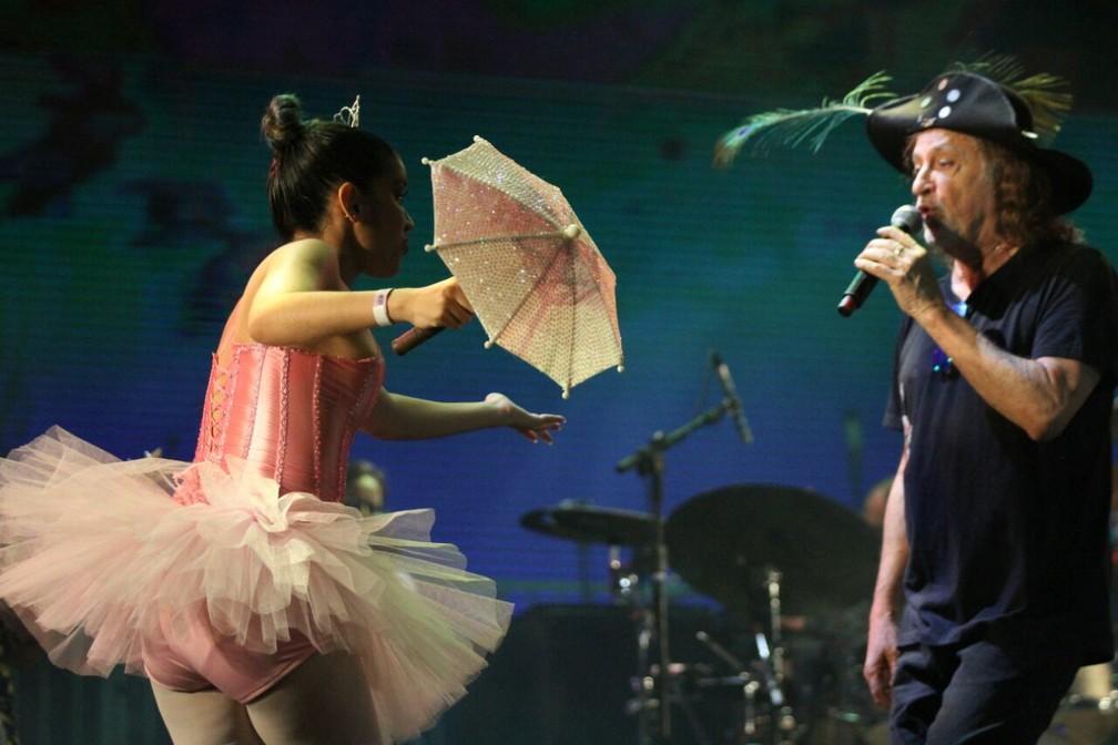 Alceu Valença colocou o público para frevar e cantar no Marco Zero (Foto: Marlon Costa/Pernambuco Press)