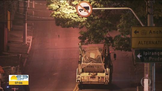 Bom Dia SP flagra caminhões desrespeitando leis de trânsito nos 'Três Tombos', na zona sul