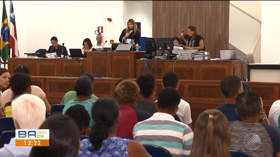 Cinco acusados de matar pai de santo na Bahia por disputa de clientes são condenados a 12 anos de prisão — Foto: Reprodução/TV Subaé