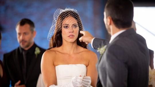 Camilo humilha Vivi durante cerimônia: 'Me traiu às vésperas do casamento'