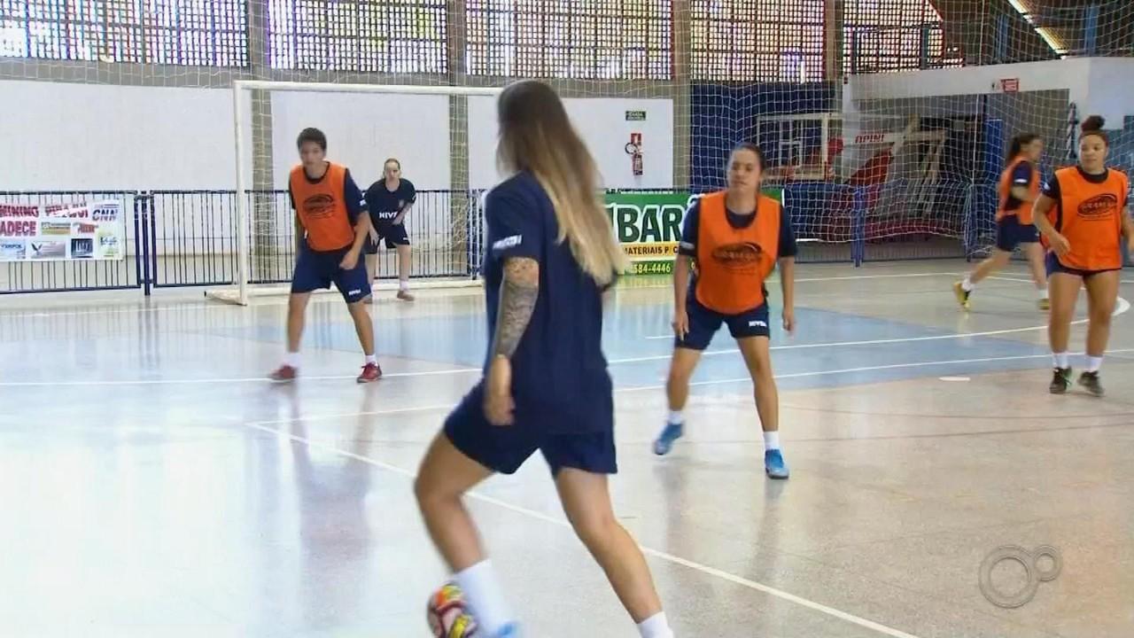 Time de futsal feminino de Pirajuí joga nesta sexta-feira contra o São Carlos