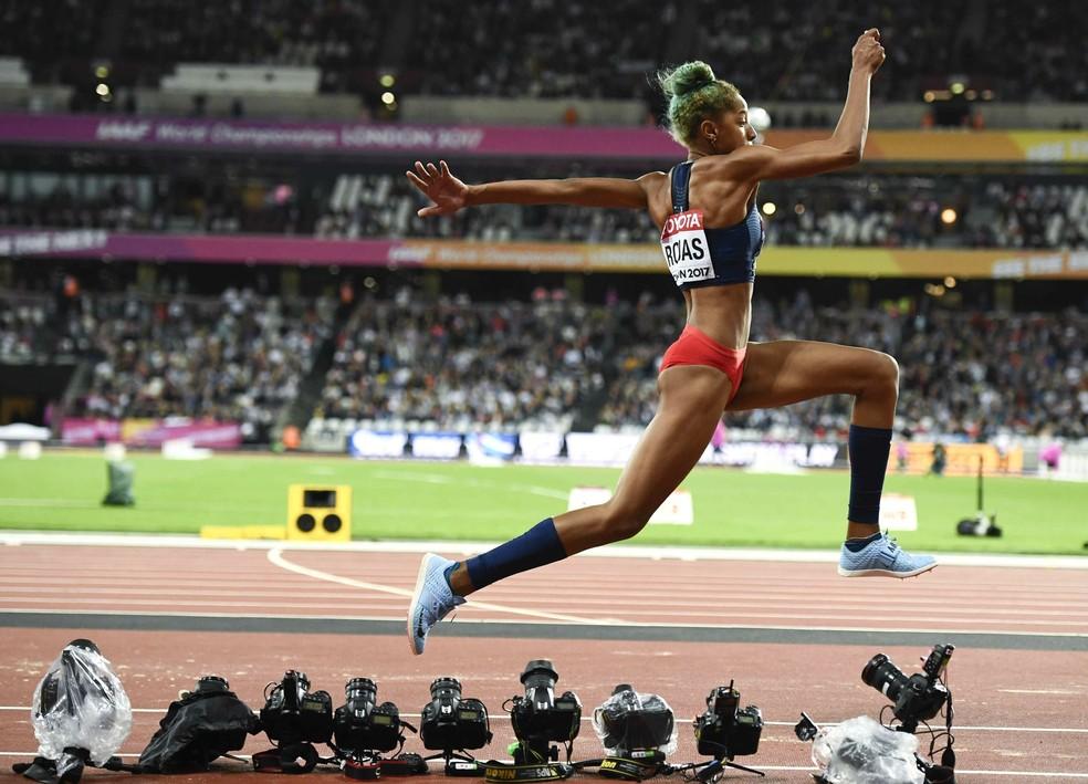 Yulimar Rojas, Venezuela, foi a mais nova campeã da história do salto triplo feminino em Mundiais (Foto: Reuters)