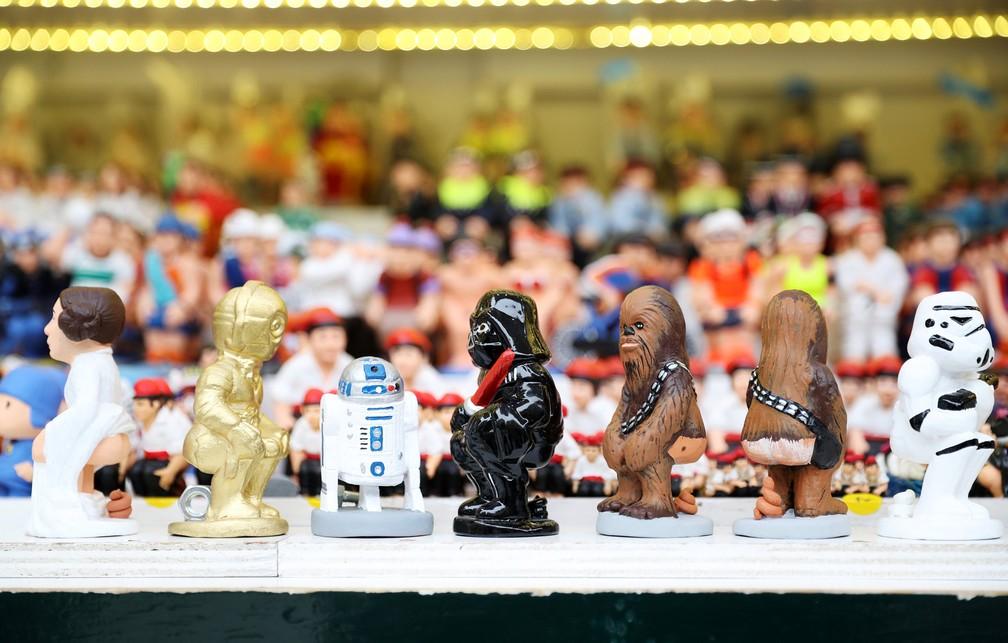 Personagens de Star Wars viram bonecos 'caganers' na Catalunha (Foto: Albert Gea/Reuters)